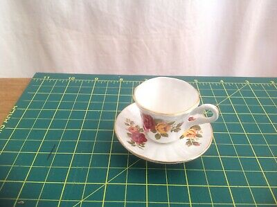 Finsbury Beautiful Cup And Saucer With Rose Design  • 1.40£