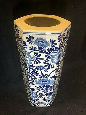 Lovely Large Chinese White & Navy Blue Patterned Hexagonal Umbrella Stand • 24.95£