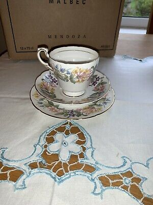 PARAGON CHINA - Country Lane Trio (Honeysuckle Pattern). Ideal Mothers Day Gift! • 4.25£