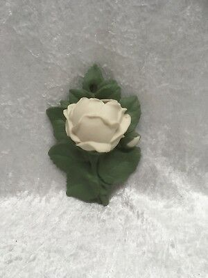 Parian Rose Wall Pocket Vase  • 24£