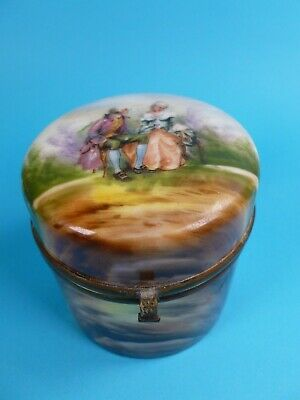 Antique Porcelain Pill Box / Dressing Table / Trinket Box With Courting Couple • 0.99£
