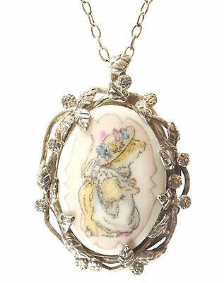 Brambly Hedge Primrose Woodmouse Pendant And Chain  • 165£
