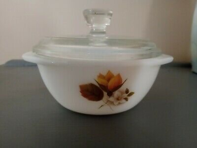 Vintage JAJ Pyrex Small Round Dish With Clear Lid Autumn Glory • 2.20£