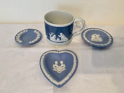 3 Small Wedgwood Dishes, Together With A Mug. • 4.99£