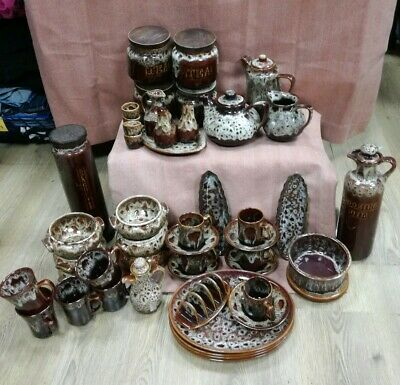 Large Bundle Of FOSTERS POTTERY • 90£