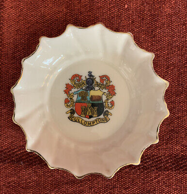 A & S Arcadian Crested Fluted China Dish Cullompton • 3.50£