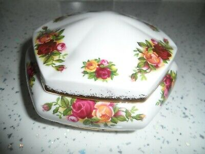 Royal Albert Old Country Roses Trinket Box 1962 • 4.50£