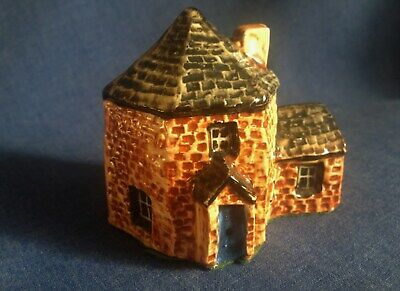 Tey Pottery. Toll House. No 24. • 3£