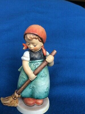 Vintage Hummel Figurine Of Girl Sweeping With No Damage • 4.50£