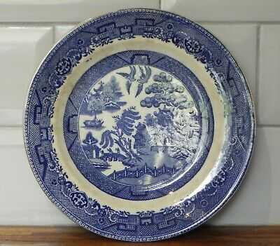 ANTIQUE 19th CENTURY CROWN POTTERY WILLOW PATTERN PLATE • 2.99£