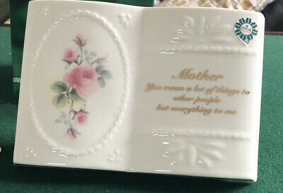 Donegal Parian China Mother Ornament • 5£