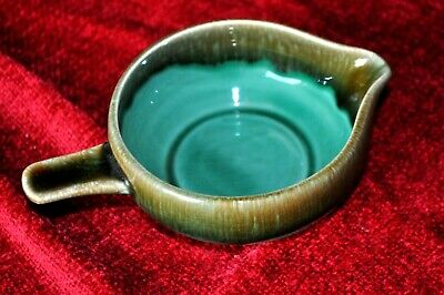 Shannon  Pottery, Ireland, Bowl With Spout & Handle • 5.99£