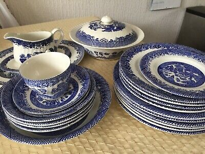 Willow Pattern Dinner Set Mixed Items • 60£