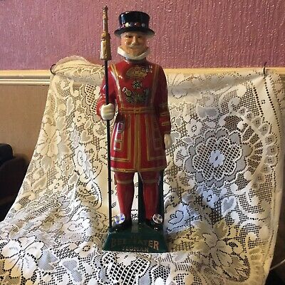 Carlton Ware Vinrage Decanter -  The Beefeater Yeoman  -  - Hand Painted Ceramic • 48£