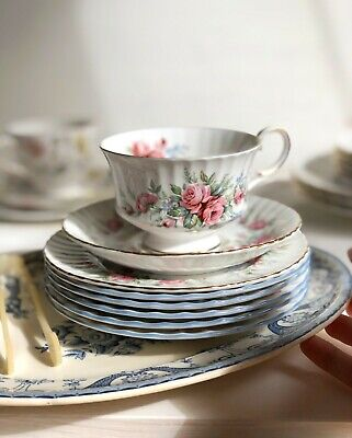 Tea Cup, Saucer And Cake Plate 'Rambling Rose' By Royal Standard Fine Bone China • 26£