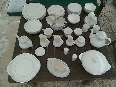 Royal Doulton  Carnation Dinner Service And Tea Service • 125£