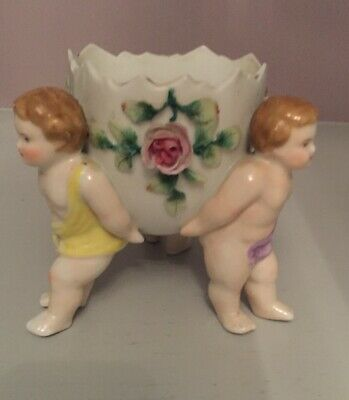Three Cherubs Holding Sweet Meat Dish - Bottom Leaf Missing Shown In 3rd Photo • 30£