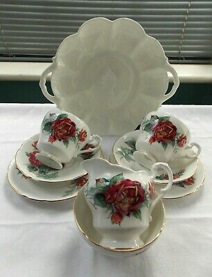 Pretty Royal Standard  Afternoon Tea For Two With Red Sarabande Flowers • 15£