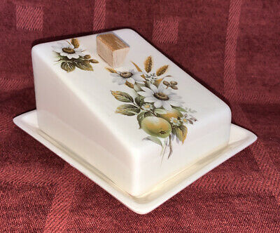 Brixham Pottery Floral Butter Dish • 3.50£