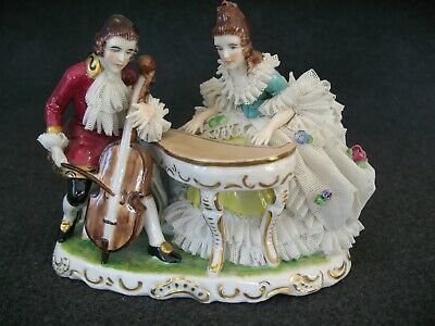 Vintage/Antique Dresden Lace Figurine. Man And Woman Playing Musical Instruments • 19.99£