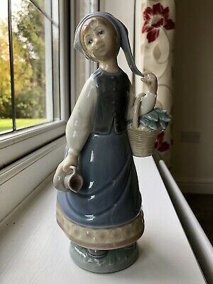 Lladro Figurine Girl With Turban Scarf Jug 5024 Excellent Retired • 13.50£