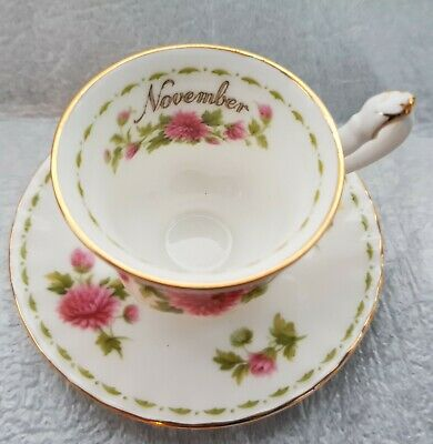 Royal Albert Miniature November Cup & Saucer Flower Of The Month Series -1970  • 15£