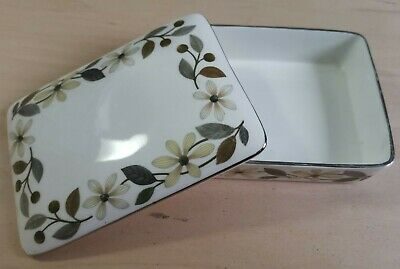 Wedgwood Beaconsfield Cigarette Trinket Box With Lid, VGC • 12.99£