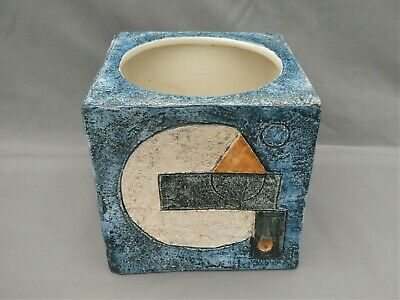 A Large Troika Pottery Cube Vase / Planter - 6 X 6 X 6 Inches - Sue Lowe St Ives • 180£