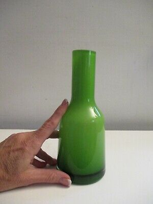 Villeroy & Boch Cased Juicy Lime Green Art Glass Architectural Nek Vase  • 22.41£