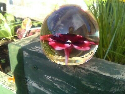 Vintage Glass Paperweights • 2£