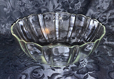 """French Clear Glass Trifle Bowl, 8"""" Diameter, 3"""" Depth • 2.50£"""