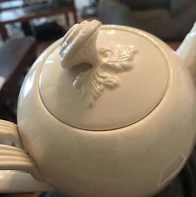 Leeds Creamware Tea Pot With Oak Leaves And Acorns Perfect Condition • 20£