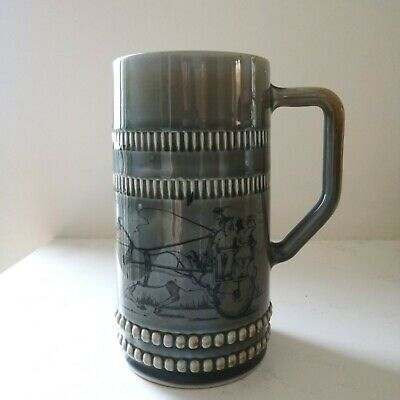 Wade Irish Porcelain Green Tankard With Horse And Cart  County Armagh.  • 7£