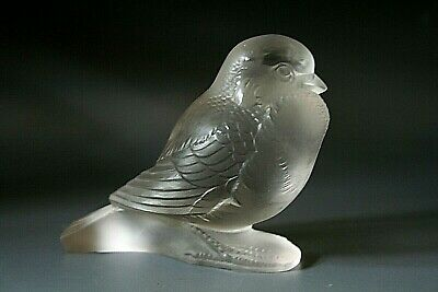 Rene Lalique    Moineau Fier   Glass Paperweight  • 195£