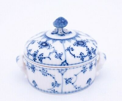 Sugarbowl #398 - Blue Fluted - Half Lace - Royal Copenhagen - 2nd Quality • 25.03£