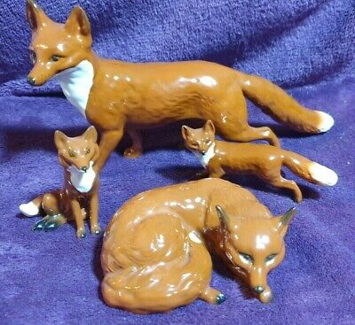 Superb Vintage BEAUTIFUL BESWICK  2 X FOXES AND 2 X FOX CUB Family Set • 95£