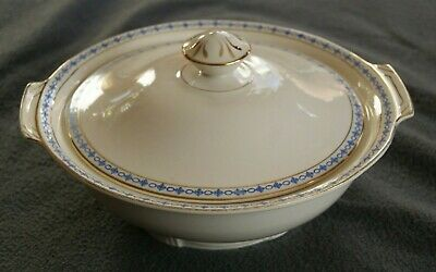 Alfred Meakin England Cream Tureen With Lid & A Blue & Gold Pattern • 9.99£