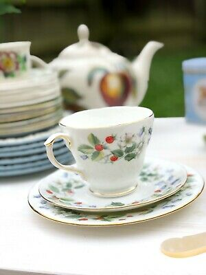 Tea Cup, Saucer And Cake Plate Trio Set 'Strawberry Fields' By Duchess, England • 26£
