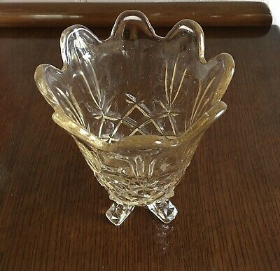 Vintage Glass Vase With Feet • 5.40£