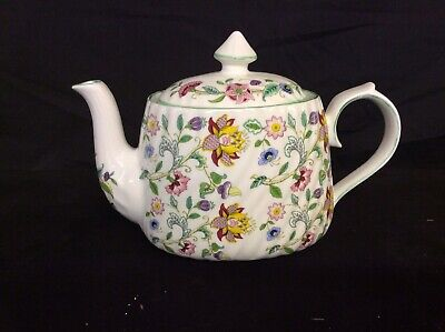 6 Cup Teapot In Haddon Hall Design • 20£