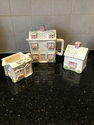 Ex Cond Lovely Cottage Themed Tea Set • 0.99£