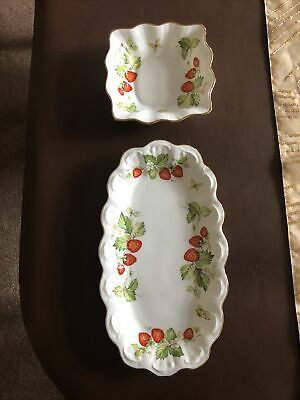 Queens Virginia Strawberry Two Dishes Plates • 15£