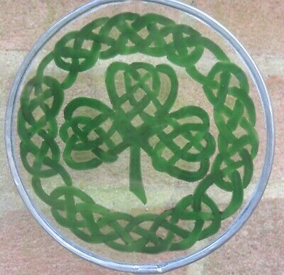 Suncatcher - Celtic Pride - Knot Shamrock And Knot Border In Frosted Greens • 12£