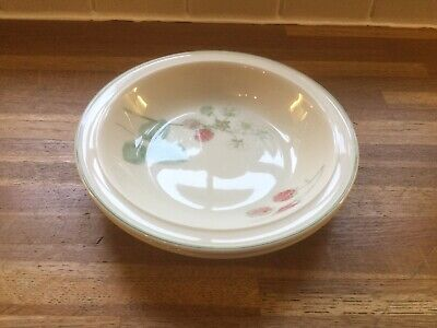 Wedgwood - Raspberry Cane -  Rimmed Soup / Cereal Bowls X 2 • 14.99£