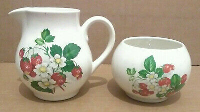 Holkham Pottery 'Wild Strawberry' Milk / Cream Jug & Sugar Bowl, Kitchenware • 7£