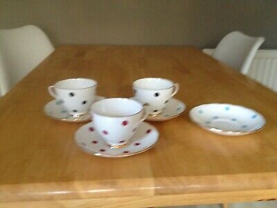3 Royal Vale Spot Cups And Saucers • 14£