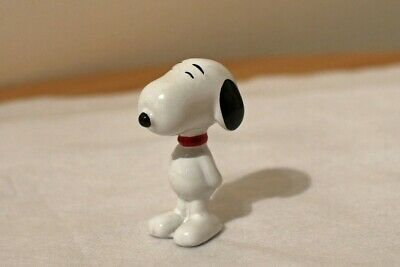Wade Snoopy Standing With Red Collar • 15.50£