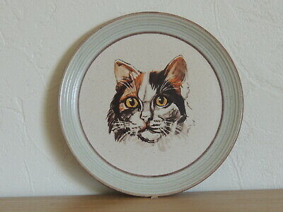 Cat Plate Vintage Purbeck Stoneware. • 12£