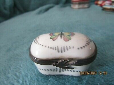 Antique Limoges ??? Pill Box Hand Painted Swift Swall Clasp Rare Find • 20£