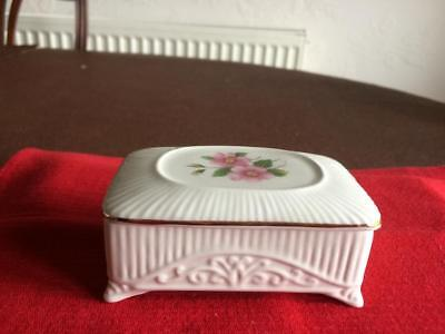 Lord Nelson Pottery - Trinket Box • 2.50£